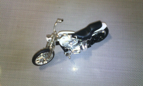 moto de colección hot-wheels. escala 1:18. modelo g8254
