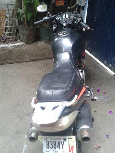 moto deportiva año 2010