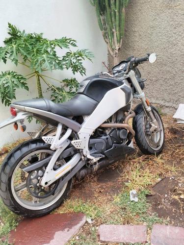 moto deportiva buell