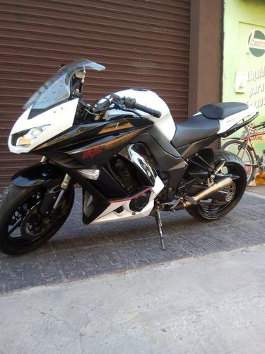 moto deportiva kawasaki 1000