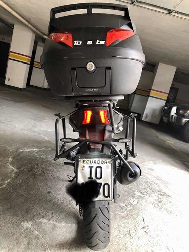 moto dominar pulsar 400 cc