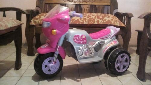 moto eléctrica de niña