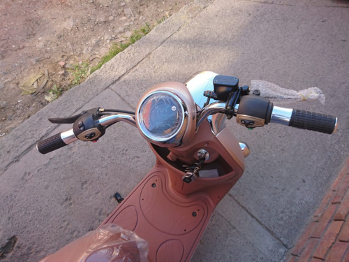 moto eléctrica diol marca aima