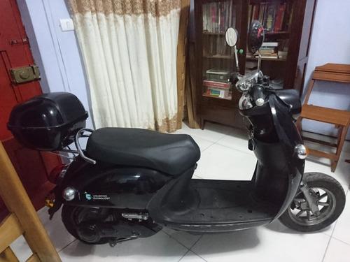 moto electrica green line alpha + 2 cascos
