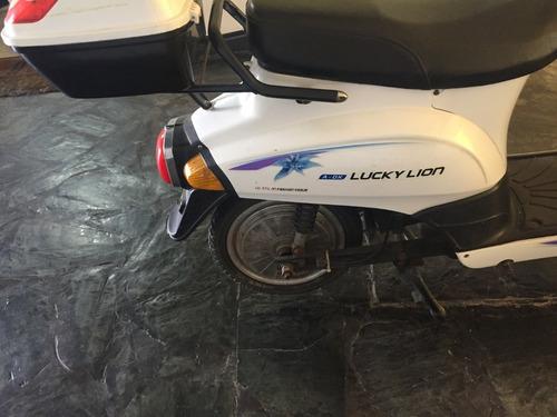 moto eléctrica lucky lion
