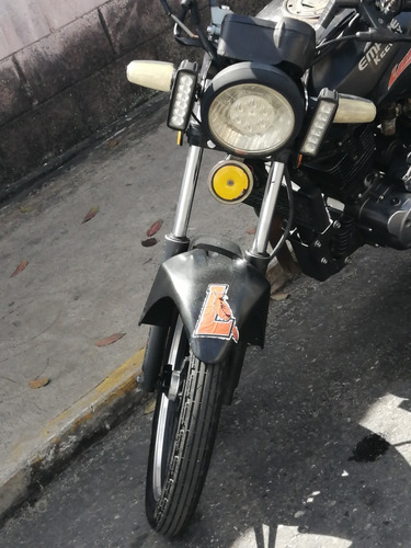 moto empire keeway speed 200 año 20011 negra