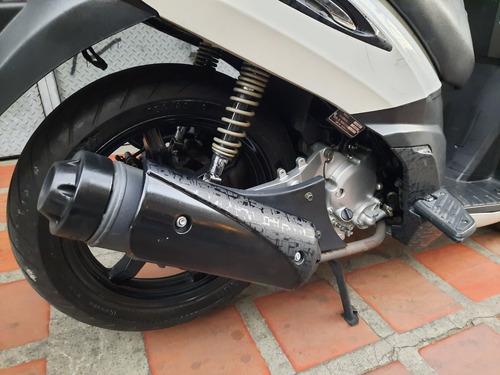 moto empire outlook