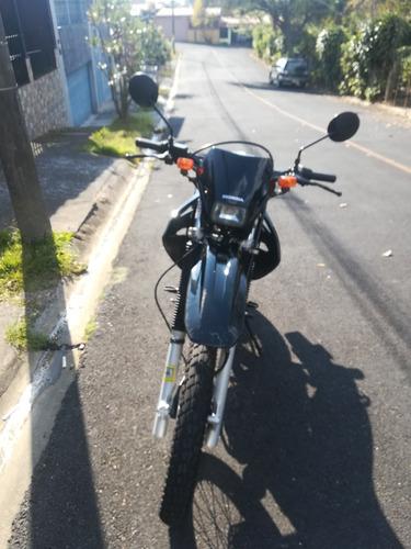 moto en excelente estado, precio negociable