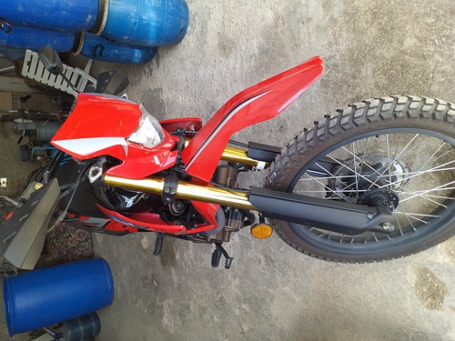 moto enduro 250