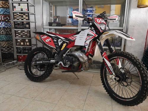 moto enduro gasgas 300 cc