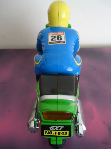 moto escala juguete