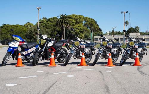 moto escuela more