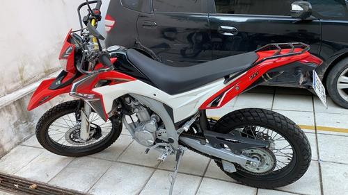 moto guerrero gxr 300 3.000 km 2018 ploteada carbono negro
