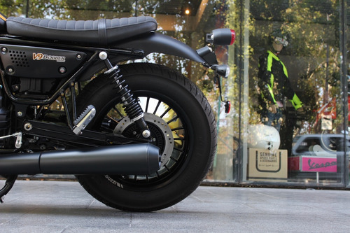 moto guzzi bobber 0 km v9 bobber triumph - motoplex devoto