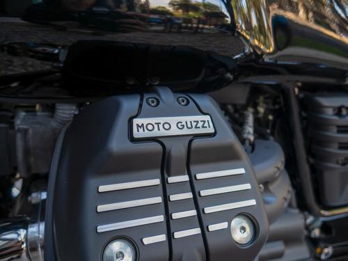 moto guzzi v7 iii special negra + vespa