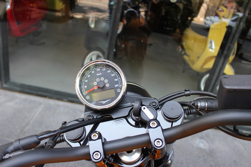 moto guzzi v7 iii stone 0 km no ducati monster