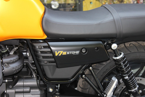 moto guzzi v7 iii stone 0 km no triumph no ducati scrambler