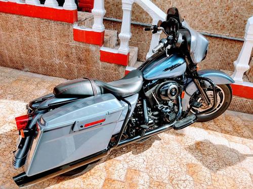 moto harley davidson street glide