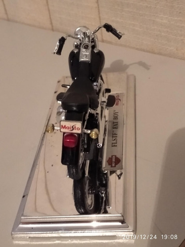 moto harley-davison flstf fat boy escala 1:18 40usd