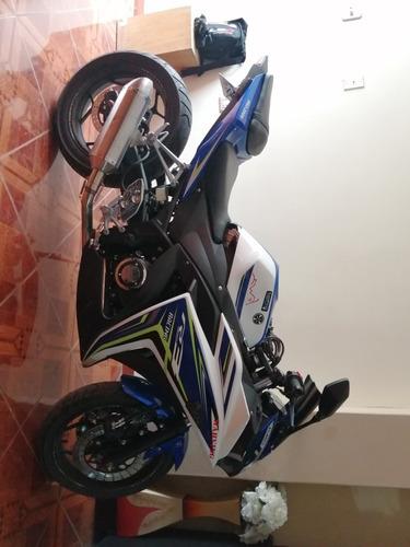 moto harving deportiva