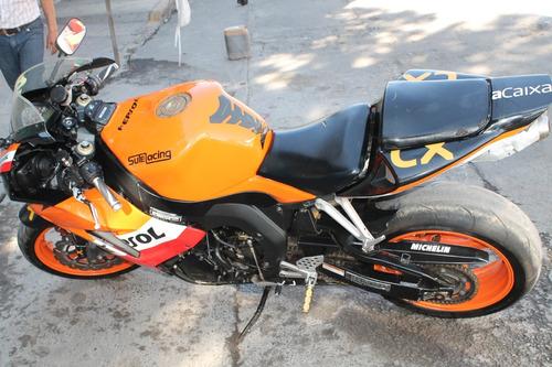 moto honda deportiva