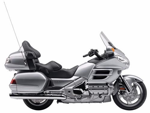 moto honda gl1800 goldwing color negro año 2015