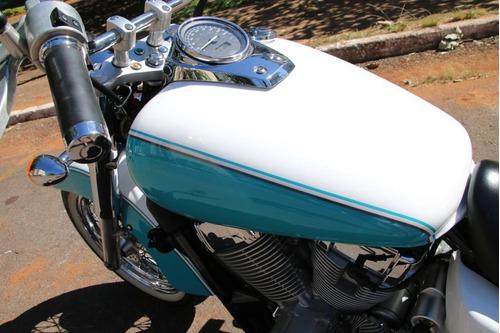 moto honda shadow 750