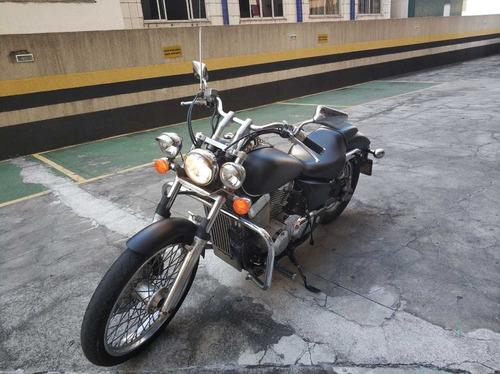 moto honda shadow 750 cc