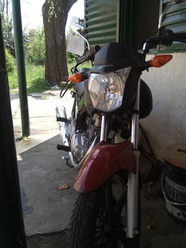 moto honda titán