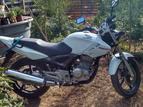moto honda twister cbx 250, blanca casi nueva muy sobria
