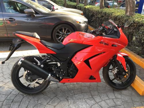 moto kawasaki. ninja 250