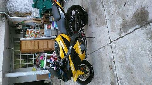moto kawsaki 600cc 2002 todo pagado y en orde