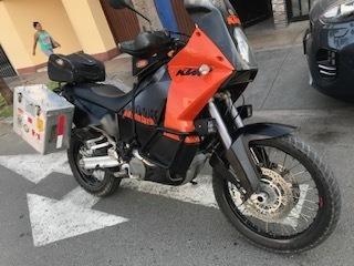 moto ktm adventure 990 en buenas condiciones