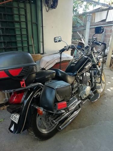 moto lifan 250 negra negociable