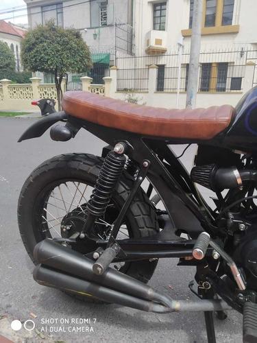 moto martinica cafe racer 150