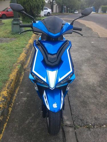 moto modena 175 año 2018 con casco nuevo incluido