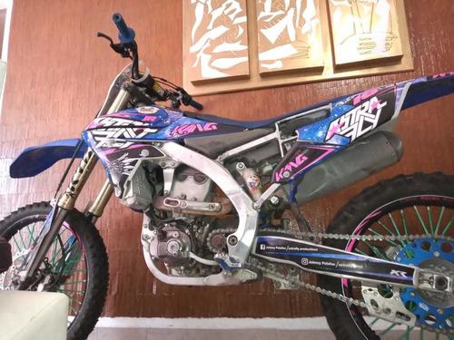 moto modificada para freestyle motocross !!