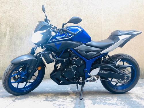 moto naked yamaha