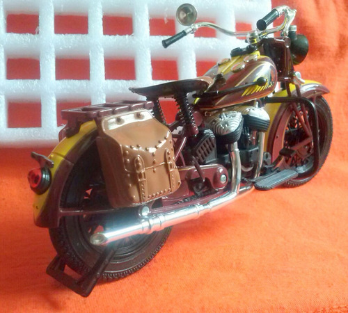 moto new ray escala 1/12 o 25 lechugs