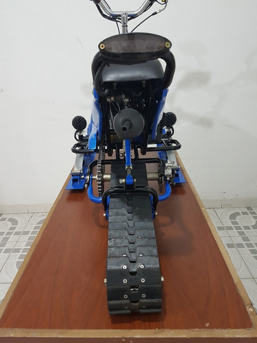 moto para nieve con orugas