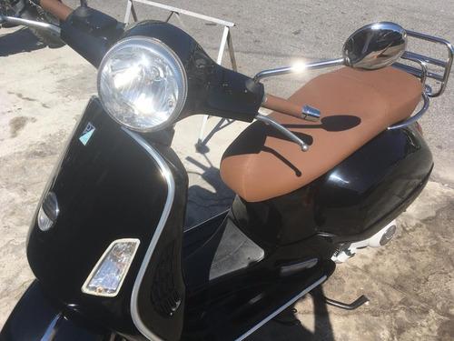 moto piaggio vespa gts 250 italiana
