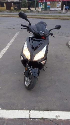 moto scooter 150 kinlon baratita por poco uso