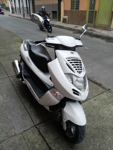 moto scooter kymco bet & win