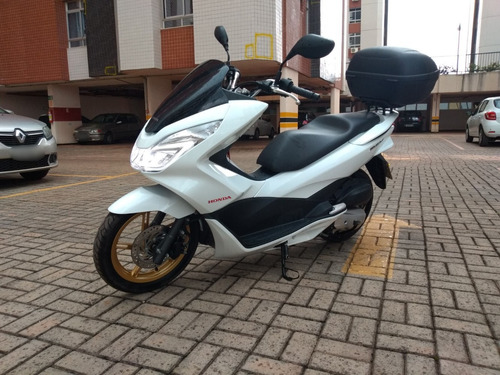 moto scooter pcx 150 deluxe, com baú, 2 capacetes...