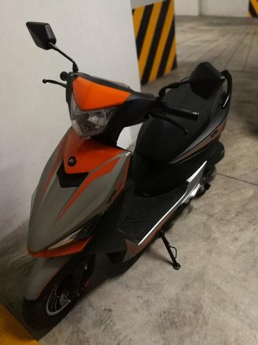 moto scooter vpr 125 e3/ gris y naranja jettor