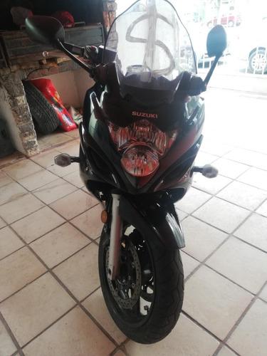 moto suzuki 2008  650 cc