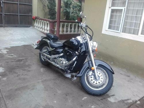 moto suzuki 800