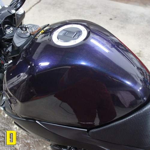 moto suzuki gsr 600 naked. no yamaha fazer no gsxr. no cbr