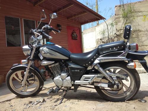 moto suzuki modelo gz 150-a casi nueva