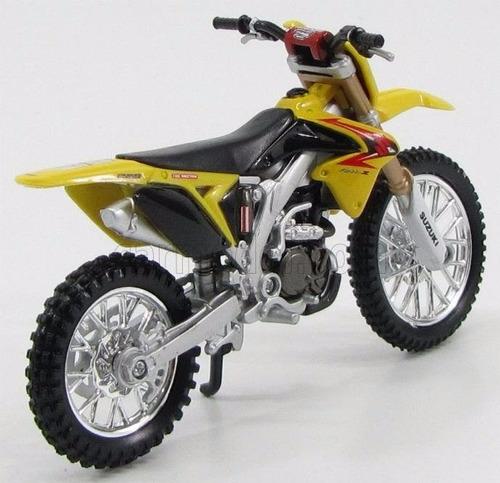 moto suzuki rm-z450 motocross escala 1/18 coleccion 13cm